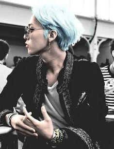 gdragon cute gif gdragon cute _ gdragon cute smile _ gdragon cute wallpaper _ gdragon cute g dragon _ gdragon cute gif _ gdragon cute selfie _ gdragon cute aesthetic _ gdragon cute edit Daesung, Gd Bigbang, G Dragon Crooked, G Dragon Top, K Pop, Bigbang G Dragon, G Dragon 2014, Hairstyles With Bangs, Trendy Hairstyles