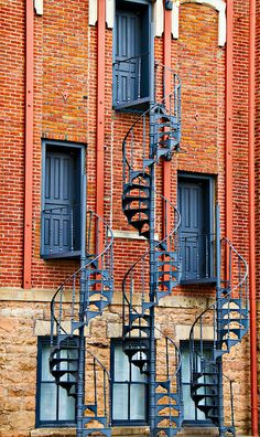 Old Main at CU Boulder. Why the twisted stairs? To keep cows from going up there. Seriously, Google it.