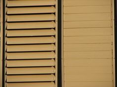 How to Paint Aluminum Blinds (5 Steps).  Can faux paint for different look
