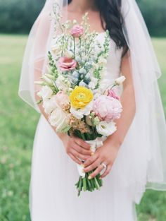 soft yellow and pink pastel #bouquet @weddingchicks