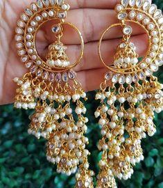 Indian Jewelry Earrings, Indian Jewelry Sets, Jewelry Design Earrings, Indian Wedding Jewelry, Gold Earrings Designs, India Jewelry, Bridal Jewelry, Fashion Earrings, Antique Jewellery Designs