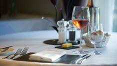 Dégustez la cuisine du restaurant de Tyn Rhos Country House au Pays de Galles !   #paysdegalles #wales #restaurant #food #alainntours #valentinesday #saintvalentin   *l'alcool est dangereux pour la santé, à consommer avec modération   © Tyn Rhos Country House Restaurant, Wales, Alcohol, Kitchens, Diner Restaurant, Restaurants, Dining