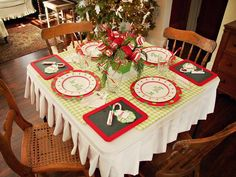 Create a Festive Holiday Kids' Table>>  http://www.hgtv.com/entertaining/create-a-festive-holiday-kids-table/pictures/index.html?soc=pinterest