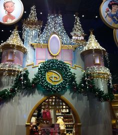 NYC Disney Store Christmas