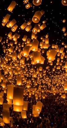 launching sky lanterns by Tassapon Vongkittipong / (Thailand) ? launching sky lanterns by Tassapon Vongkittipong / (Thailand) ? Galaxy Wallpaper, Screen Wallpaper, Wallpaper Backgrounds, Mobile Wallpaper, Floating Lanterns, Sky Lanterns, Aesthetic Iphone Wallpaper, Aesthetic Wallpapers, Foto Poster