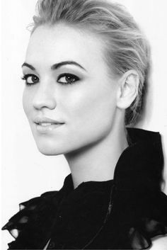 Yvonne Strahovski from Chuck TV show looks similar to Darla Taylor (Marianas Trench Ever after Videos) I think ...and vice versa
