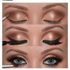 gold/brown smokey eye