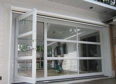 Modèle De Porte De Garage Vitrée Avec Une Porte Piéton Intégrée. / Glass Garage  Door