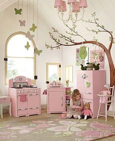 Amazing little girls room!!!!  Abigail has this kitchen set!