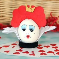DIY Easter egg decoration - Red Queen
