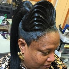 The Hair behind the Face..... #ridges #style #vistylist #vilove #vihair #vi #art #atlstylist #different #hairlife #hairlove #outrehair #ponytail #pony #lahair #lastylist #hairlife #nashvilestyle #nashvilestylist #nashville #hair #updo #gelup #atlstylist #pretty #wave by dee_karat