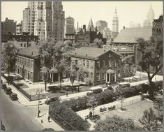 Collection of the New York Public Library On the western edge of Stuyvesant Square, quietly sitting behind a heavy Century cast i. New York City Pictures, New York Photos, Old Pictures, Old Photos, Vintage Photos, Vintage Stuff, Cast Iron Fence, Paris Skyline, New York Skyline