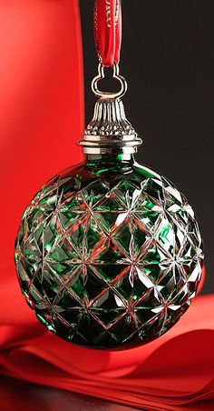 Waterford 2014 Annual Cased Ball Ornament, Emerald Z