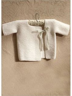 Easy Garter Stitch Sideways Baby Cardigan Free Knitting Patterns - Glamour-Baby's First Cardigan Easy Baby Knitting Patterns, Knitting For Kids, Baby Patterns, Knit Patterns, Free Knitting, Baby Kimono, Baby Dress, Baby Cardigan, Kimono Cardigan