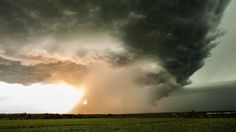 A Stunning Time-Lapse Video of a Supercell Thunderstorm Forming in the Skies Above Kansas