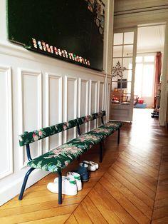 déco vintage, bancs tapissés, chaises, banquettes