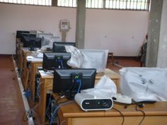 Installation of #NComputing_x550 at school lab... http://www.totalitech.com/product/ncomputing-x550-price-in-pakistan/