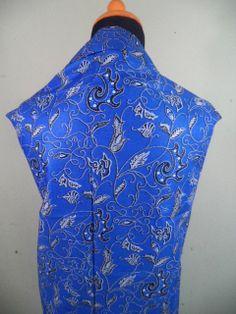 Kain Batik Motif Biru Klasik Batik Cap tradisional handmade, bahan katun, ukuran: 1,15 x 2m