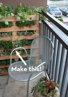 credit: Fern Richardson / Life on the Balcony  Make sure pallet is heat treated not chemically treated before planting veggies