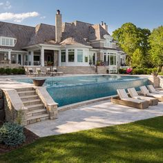 Well now that's an amazing infinity pool! By Southview Design