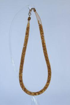 """Oro in rete. Collana fatta a mano in rete tubolare color oro e pivette sempre dello stesso colore. """"oro su oro"""" di patrizianave su Etsy"""
