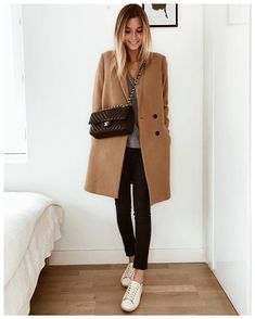 coat zara women coat zara women + frock coat women zara + trench coat women's zara + zara black wool coat women + camel coat women zara + coat for women zara + zara women coat outfit + zara black coat women Mode Outfits, Casual Outfits, Fashion Outfits, Style Casual, Casual Chic, Casual Jeans, Office Outfits, Mantel Camel, Look Fashion