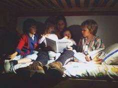 seismaisdois | clube de leitura. cada noite é um a escolher o livro, que será lido na cama de quem escolheu.