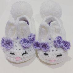 Toddler Crochet bunny slippers. By etsy shop: DiorLauryn