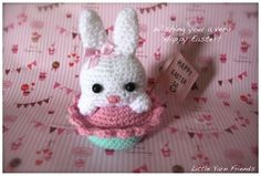 Little Bunny Cupcake.  Free Pattern by Little Yarn Friends.  http://littleyarnfriends.tumblr.com/post/20661140774/crochet-pattern-lil-bunny-cupcake