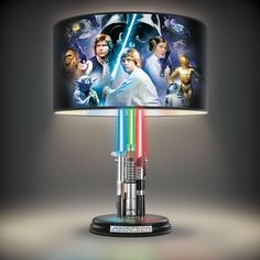 Feel the power of the Force with the Star Wars Original Trilogy Lamp With Illuminated Lightsabers. Jackson getting a purple lightsaber Star Wars Film, Cool Lamps, Unique Lamps, Star Wars Original, Star Wars Lampe, Decoracion Star Wars, Star Wars Zimmer, Jedi Ritter, Starwars