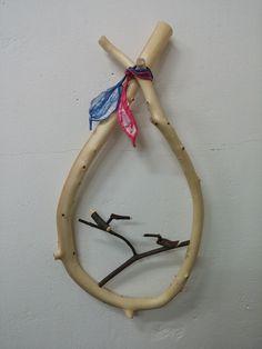 집들이 & 오픈기념 선물작품! 노간주나무 + 솟대 Diy And Crafts, Arts And Crafts, Wood Design, Clothes Hanger, Carving, Woodworking, Bird, Cats, Inspiration