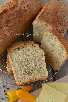 Drożdżowy chleb babci Władzi Healthy Bread Recipes, Cake Recipes, Cooking Recipes, Polish Recipes, Bread Rolls, Food Styling, Banana Bread, Good Food, Food And Drink