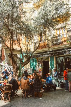 Valencia's Old Town Photo Diary: Strolling in El Carmen Neighborhood Kissimmee Florida, Barcelona, Dubrovnik, Valencia Old Town, Alcudia Old Town, Old Town Gdansk, Ibiza, Birds In The Sky, San Diego Travel