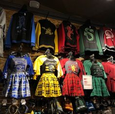 Update your Hogwarts uniform with styles for every house! Head to a store near y. - MeinesTube - Update your Hogwarts uniform with styles for every house! Head to a store near y… - Harry Potter World, Harry Potter Mode, Harry Potter Merchandise, Harry Potter Style, Harry Potter Outfits, Harry Potter Fandom, Harry Potter Hogwarts, Harry Potter Clothing, Harry Potter Uniform