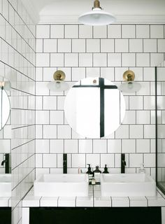 functional bathroom in Paris in black and white