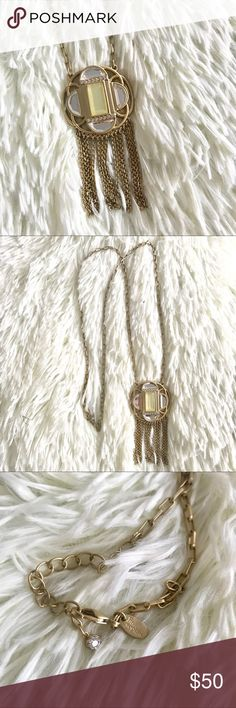 🔴 Lia Sophia Compass Necklace Compass necklace from Lia Sophia. Gorgeous art deco piece. Barely worn. Great statement piece! Wear it daily or for your 20s themed events! No wear or tarnishing - the discoloration in the photos is just due to light reflections. Lia Sophia Jewelry Necklaces