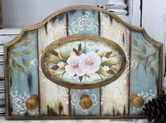 How to Decoupage Decoupage Vintage, Decoupage Paper, Stencil Painting, Fabric Painting, Arte Pallet, Primitive Painting, Popular Crafts, Hand Painted Furniture, Do It Yourself Home