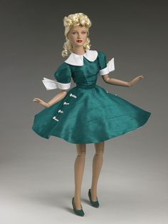 Tonner Lady Ozmopolitan - outfit only, missing earrings and petticoat