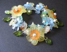 Cute lucite flowers - LOVE it
