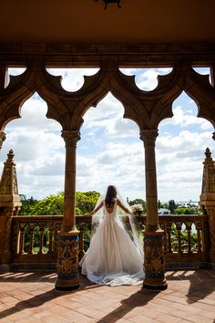 Amazing Wedding Photos and Inspiration // Classic Blush Ringling Wedding via TheELD.com