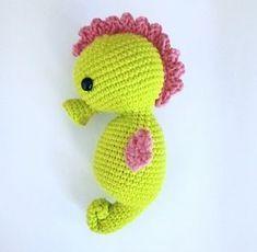 Baby Seahorse - free crochet pattern at Twistymates.