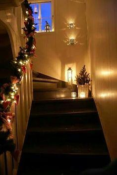 Inspiration til juleoppyntning af en trappe!
