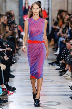 89 besten Kleider 9 Bilder auf Pinterest   Couture, Costume design ... 90cb3bdb76