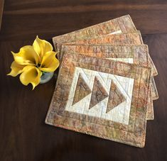 Cotton Floral Pattern Place Mats Cloth Placemats Wedge Placemats for Round Table set of 4 Housewarming GIft Table Linens