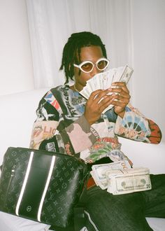 Here's What Happened When Gucci Mane Met Playboi Carti Moda Aesthetic, Bad Girl Aesthetic, Aesthetic Collage, Retro Aesthetic, Aesthetic Photo, Aesthetic Pictures, Rapper Wallpaper Iphone, Rap Wallpaper, Aesthetic Iphone Wallpaper