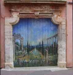 Painted Doors France | Painting on a Door: Roussillon, France | Kom inn
