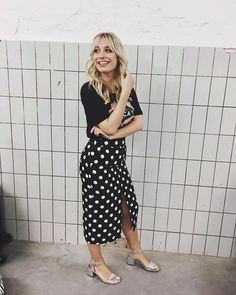 3,570 vind-ik-leuks, 68 reacties - Yara Michels (@yara_michels) op Instagram: 'Another day, another print! Connecting the dots ⚪️⚫️ #ootd #backstage'