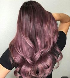 Guy style 486107353528660377 - Artistic Team Member Kim Ketcham Who's loving this tone? Used guy tang powder lightener to lift… Source by Guy Tang, Brown Hair Balayage, Brown Hair With Highlights, Hair Color Balayage, Purple Highlights, Golden Brown Hair, Light Brown Hair, Ash Brown, Ombre Hair Color