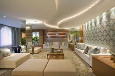 Formas Orgânicas na Arquitetura e na Decoração! forro de gesso e iluminacao indireta com corda de led, iluminacao direta e focal no papel de parede - sala, living, projeto arquitetura interiores, casa apartamento