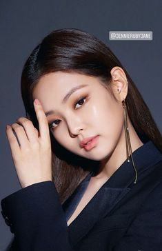 Asian Makeup, Korean Makeup, Korean Beauty, Korean Natural Makeup, Kim Makeup, Makeup Inspo, Blackpink Members, Jennie Kim Blackpink, Kim Jisoo